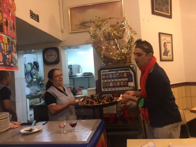 barcelona-paella-party_4575